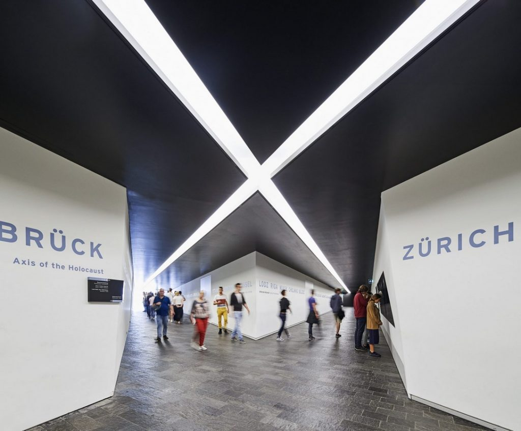 ANALYZING JEWISH MUSEUM IMAGE 3. entrance crossroad view. Source-libeskind.com +HuftonCrow