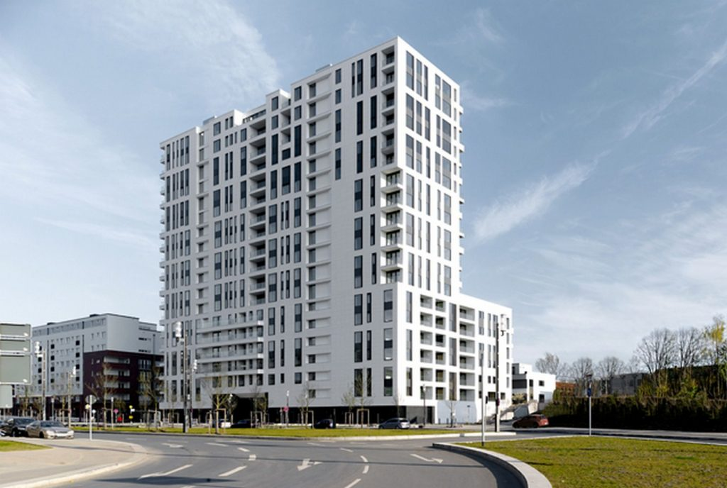AXIS high rise Apartments by Meixner Schluter Wendt