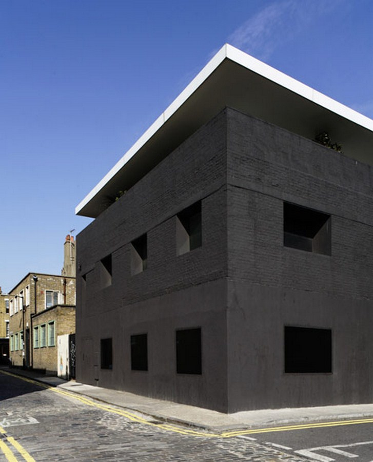Dirty House, London -1