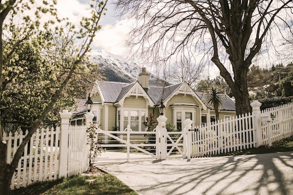 15 PLACES IN QUEENSTOWN - Sheet39