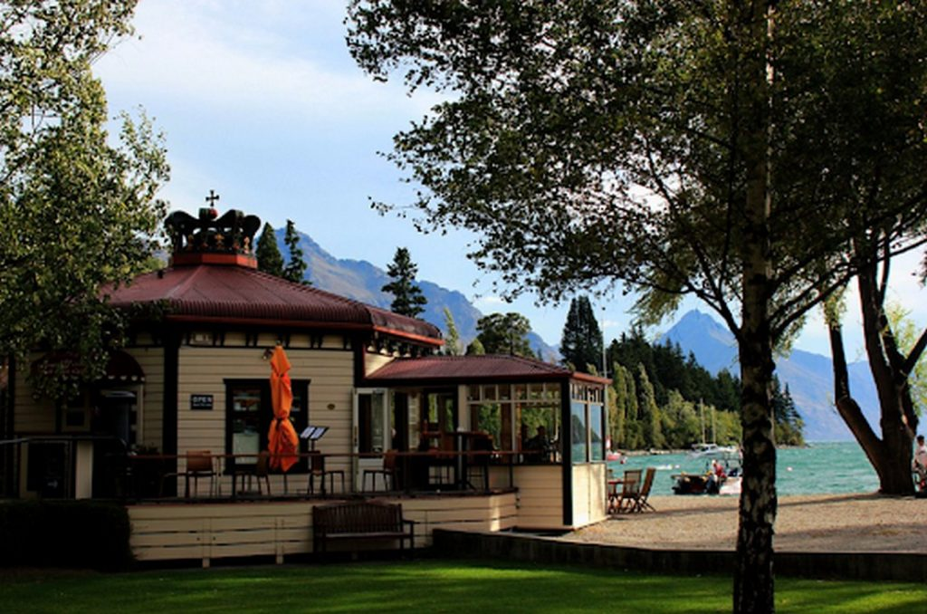 15 PLACES IN QUEENSTOWN - Sheet15