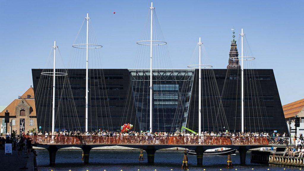15 Places to visit in Copenhagen- Cirkelbroen -1