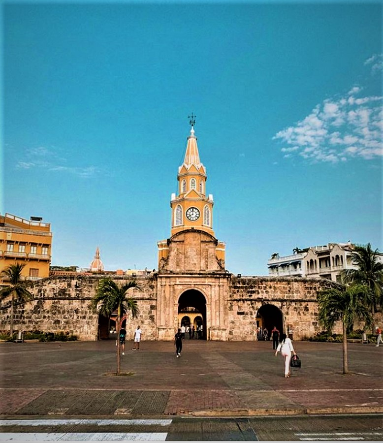 Front of Torre Del Reloj
