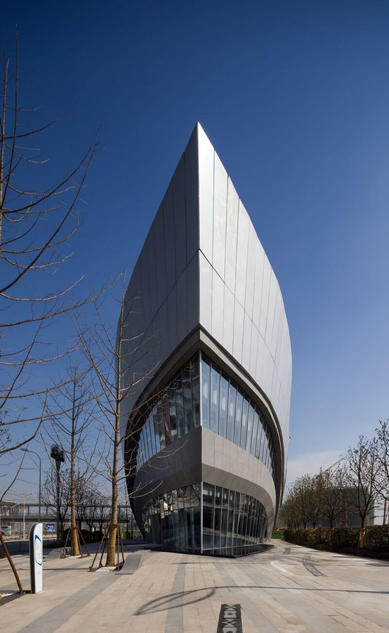 Top Architects Firms in Singapore - Hongqiao World Centre Gallery by Aedas