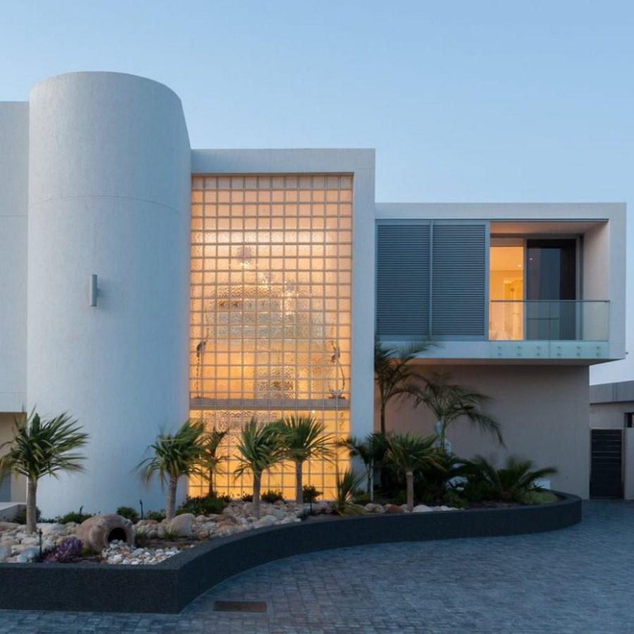 House Van Zyl, Britannia Bay by Sean Logie Architect