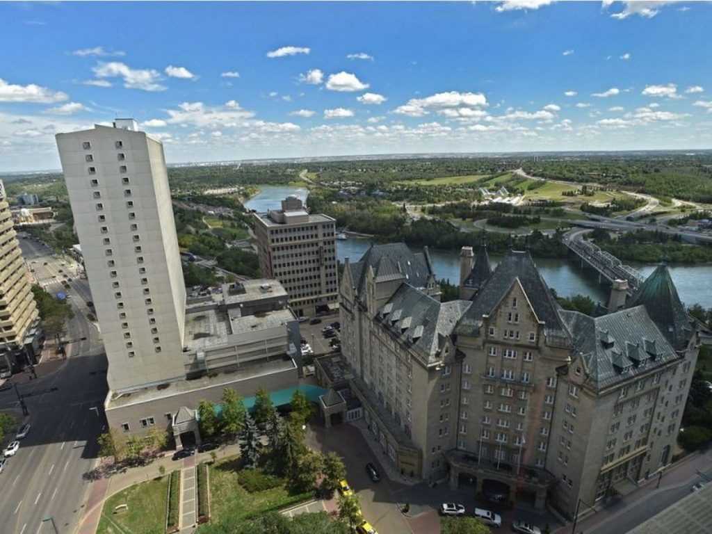 Places to Visit in Edmonton,-FairmontHotelMacDonald -1