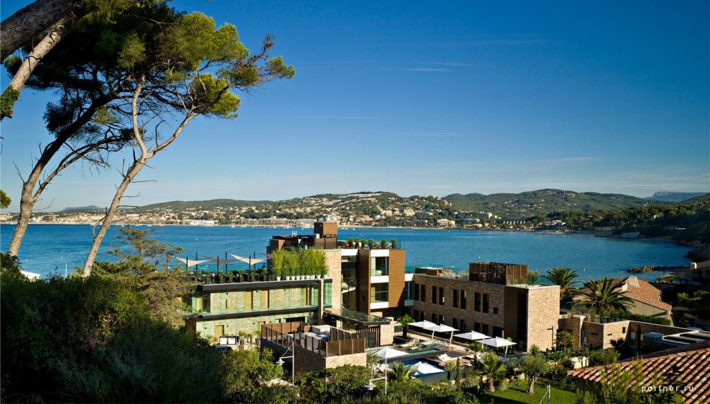 Hotel La Farandol, France Portner Architects