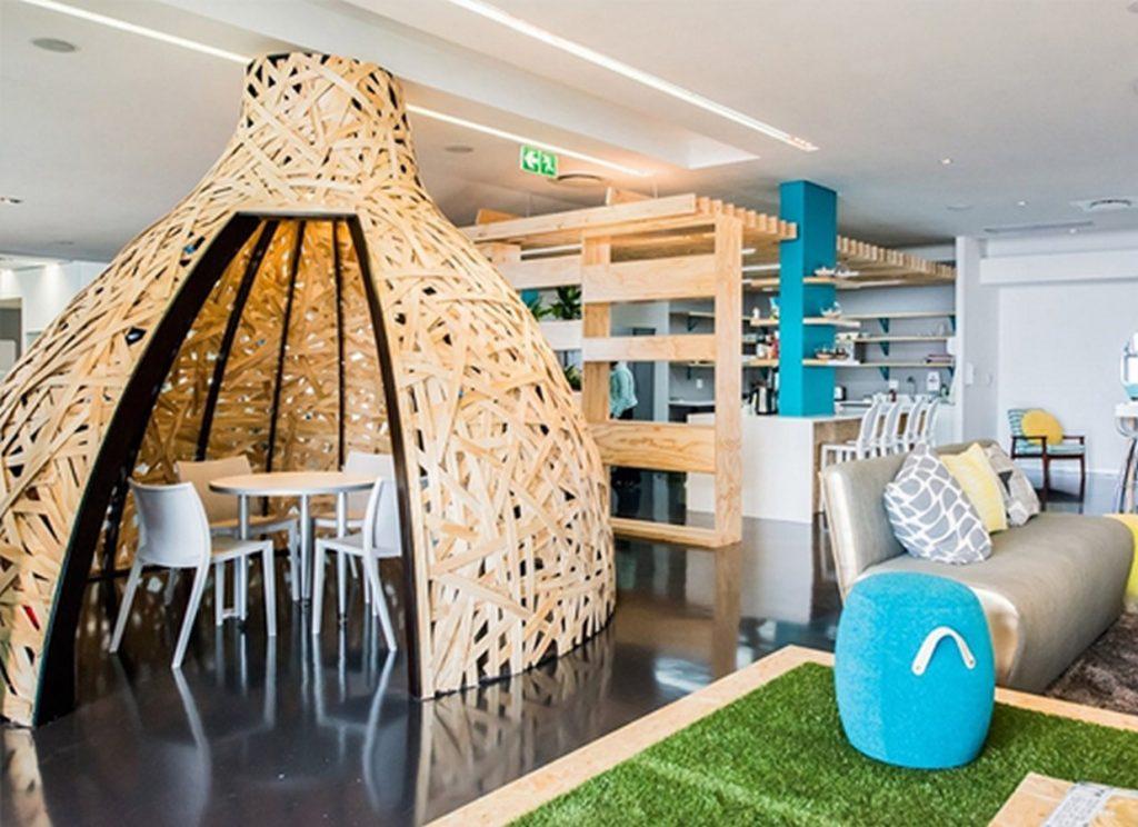 Residential Design by Shrishti Associates