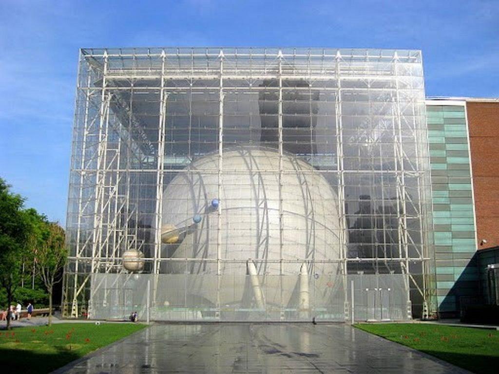 Glass in Modern Architecture -6