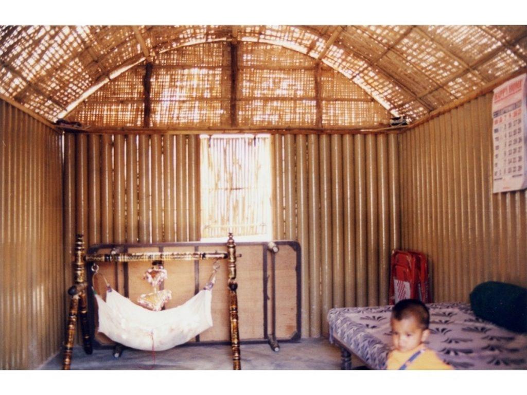 Alternative materials Cardboard- Paper Log house Kobe -1