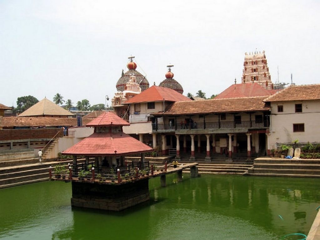 8 Elements of Vernacular Architecture Influenced by Religion -1