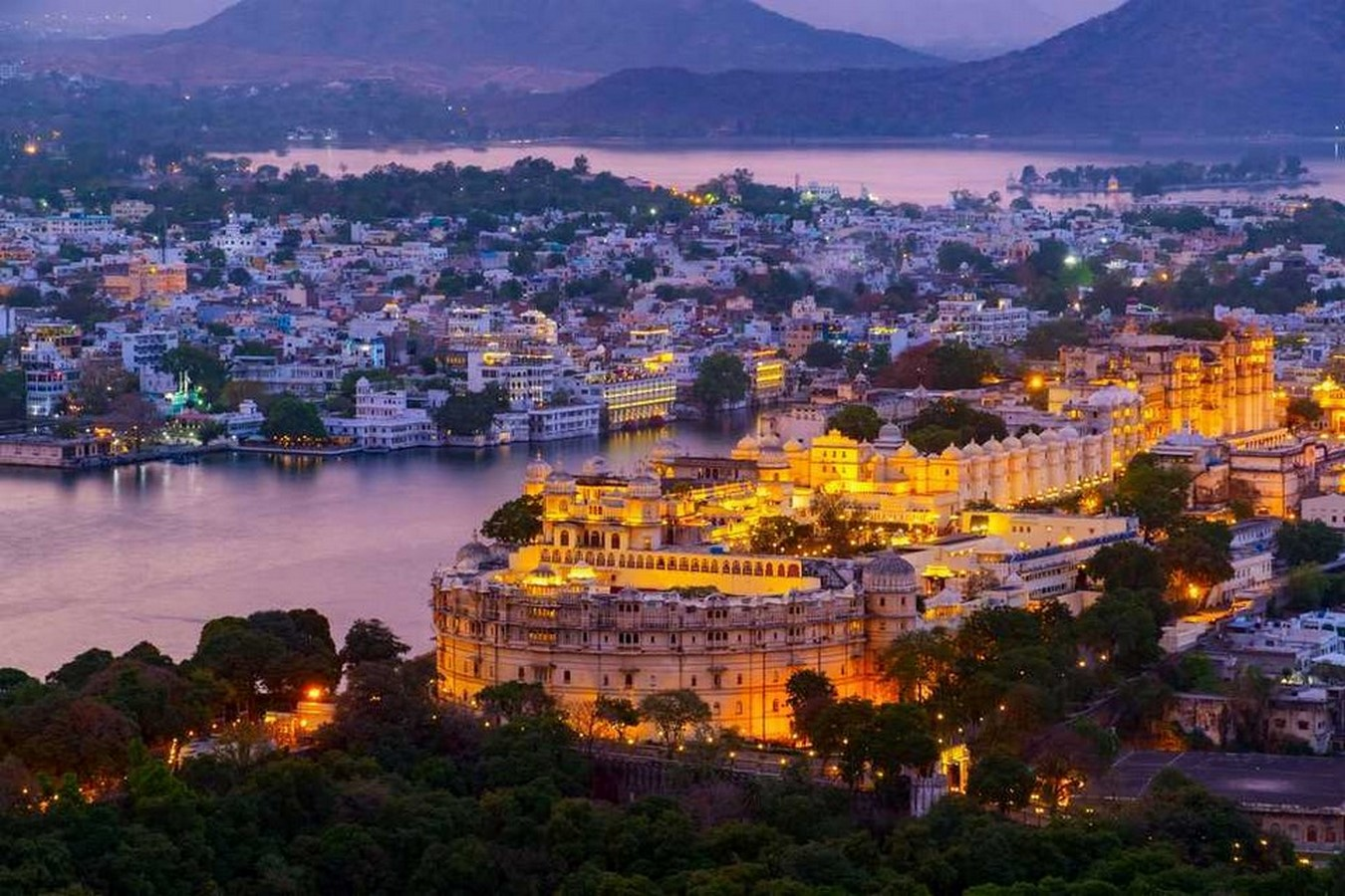 Architecture of Indian Cities Udaipur - City of lakes - Sheet1