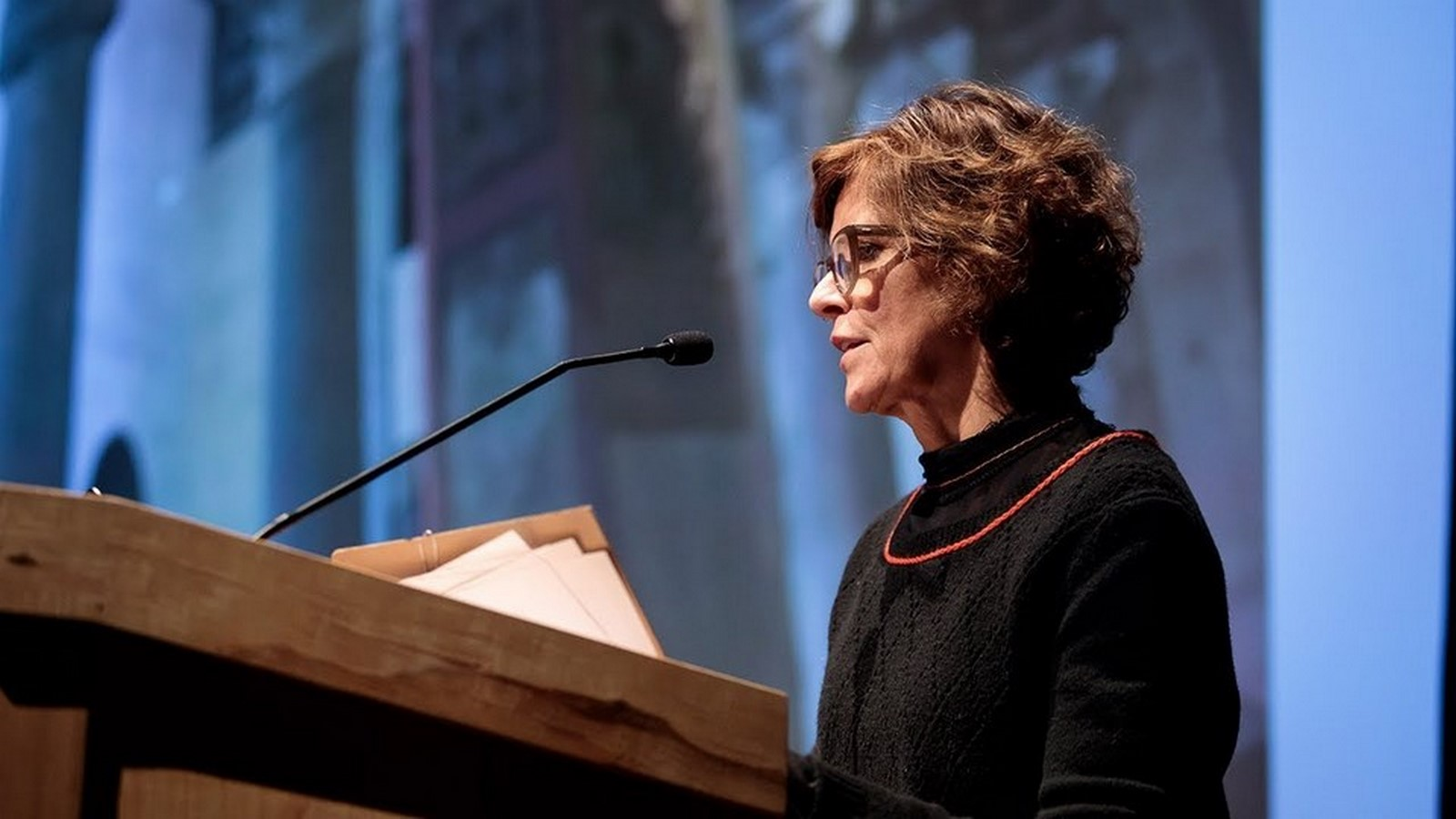 Jeanne Gang- Buildings that blend nature and city