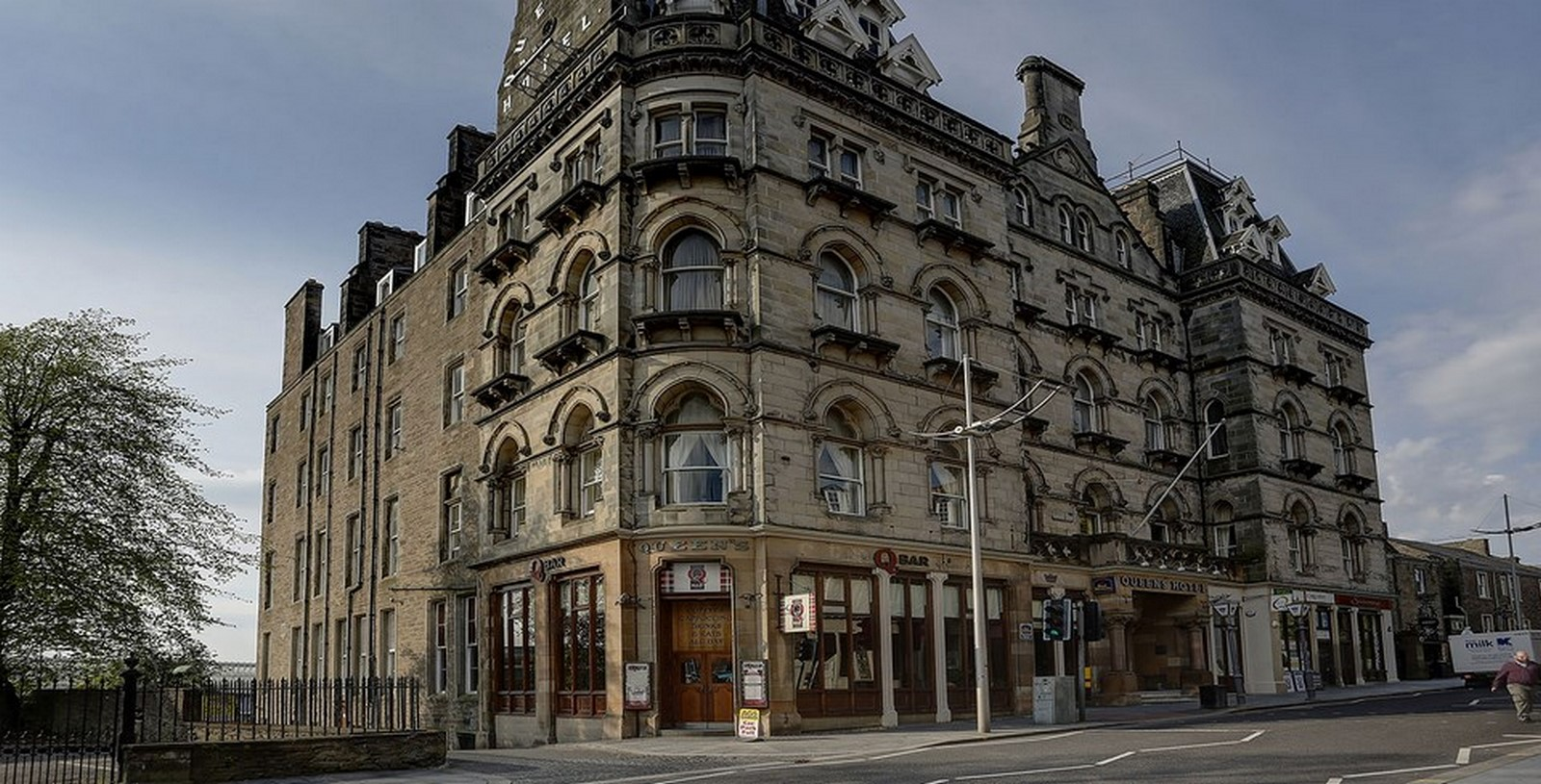 THE QUEENS HOTEL - Sheet3