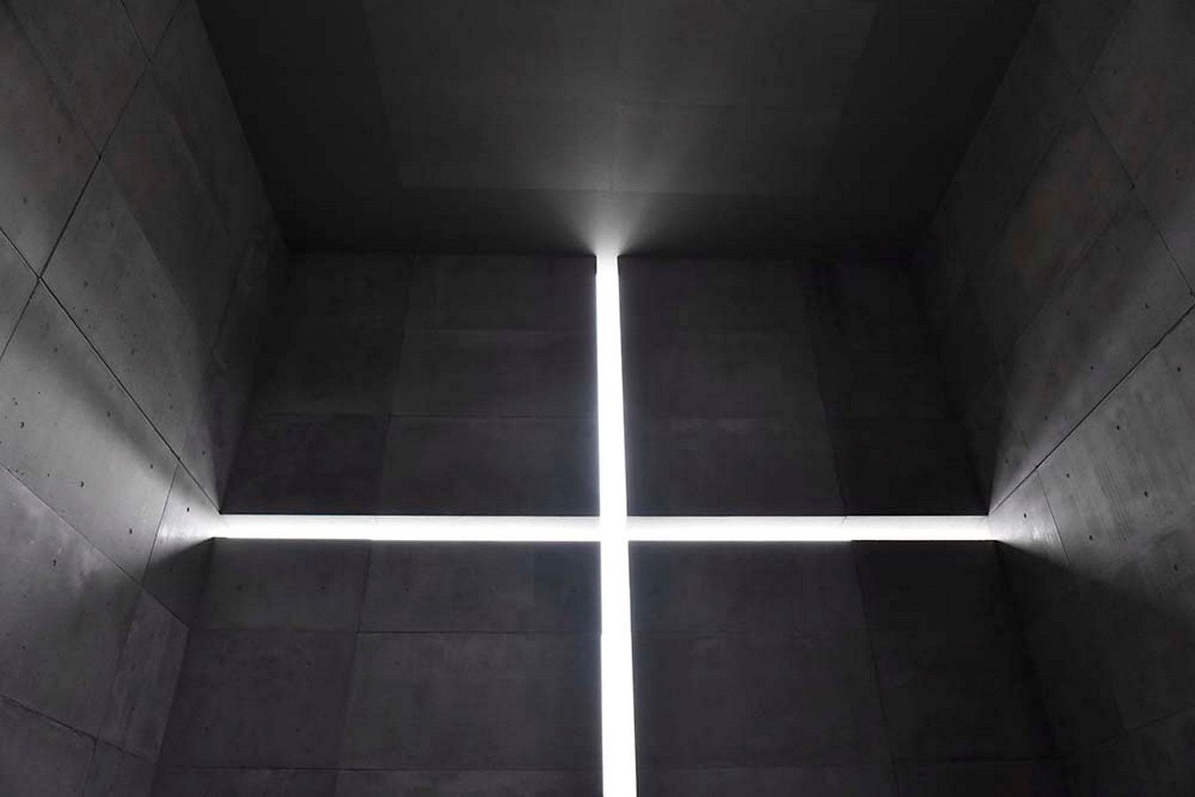 Examples of innovative use of Natural Light-Church of the Light -4
