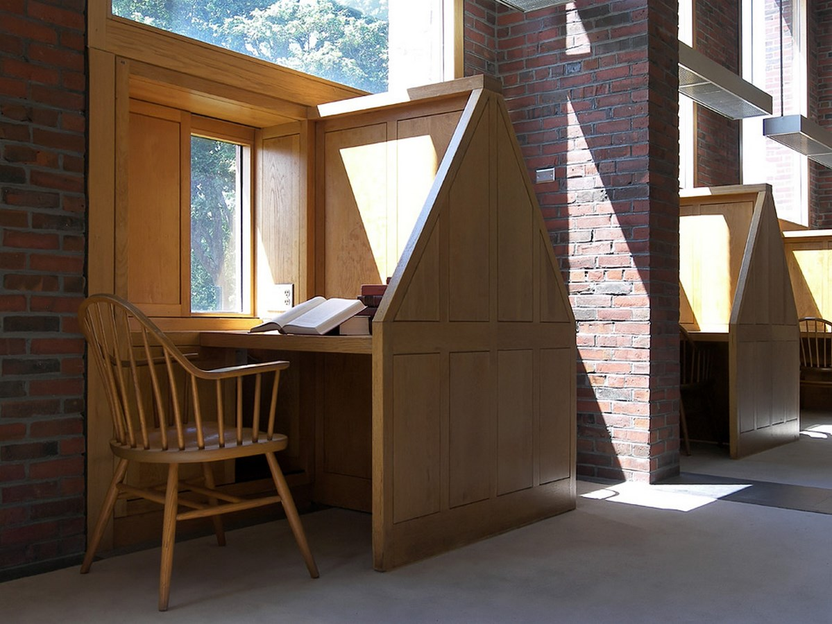 Examples of innovative use of Natural Light-The Exeter's Library -1
