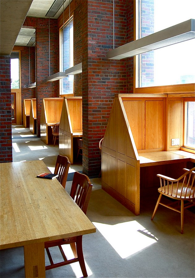 Examples of innovative use of Natural Light-The Exeter's Library -2