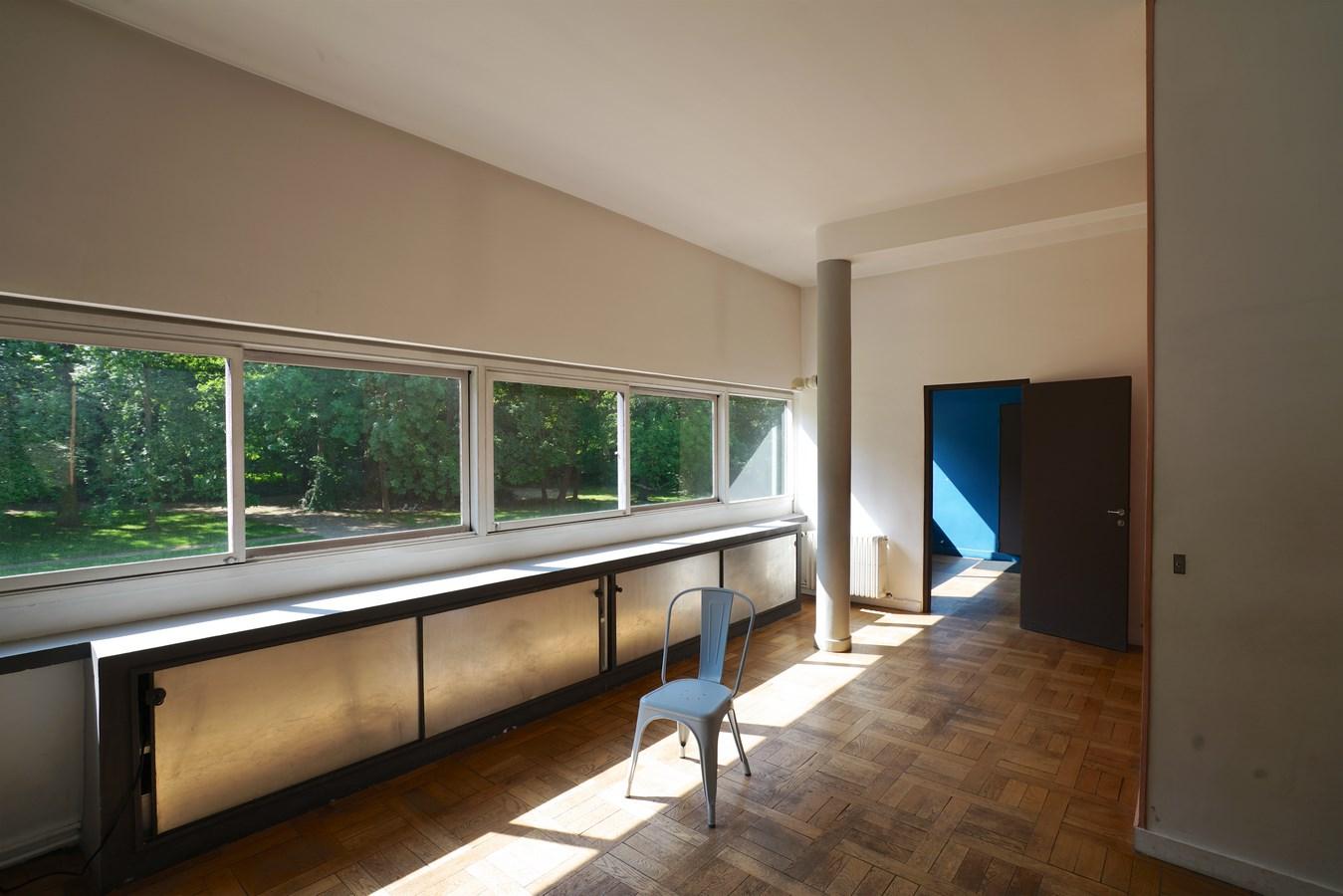 Examples of innovative use of Natural Light-Villa Savoye -3