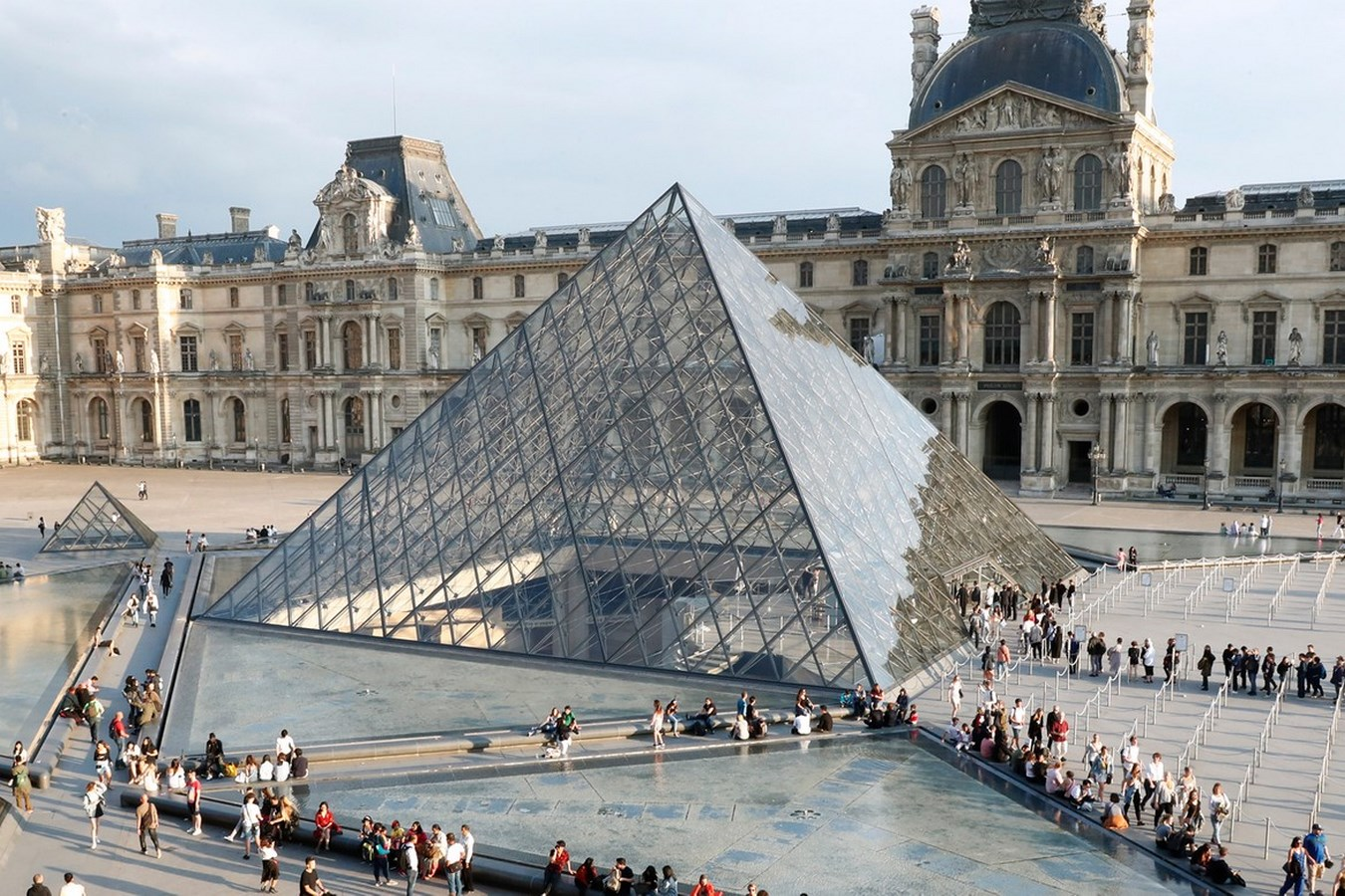 10 Different construction materials around the globe-Glass -3