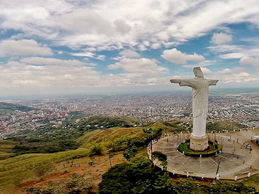 Places to visit in Cali for the Travelling Architect-Cristo Rey -2