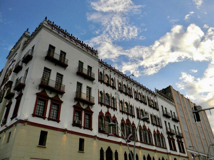 Places to visit in Cali for the Travelling Architect- Edificio Coltabaco -2