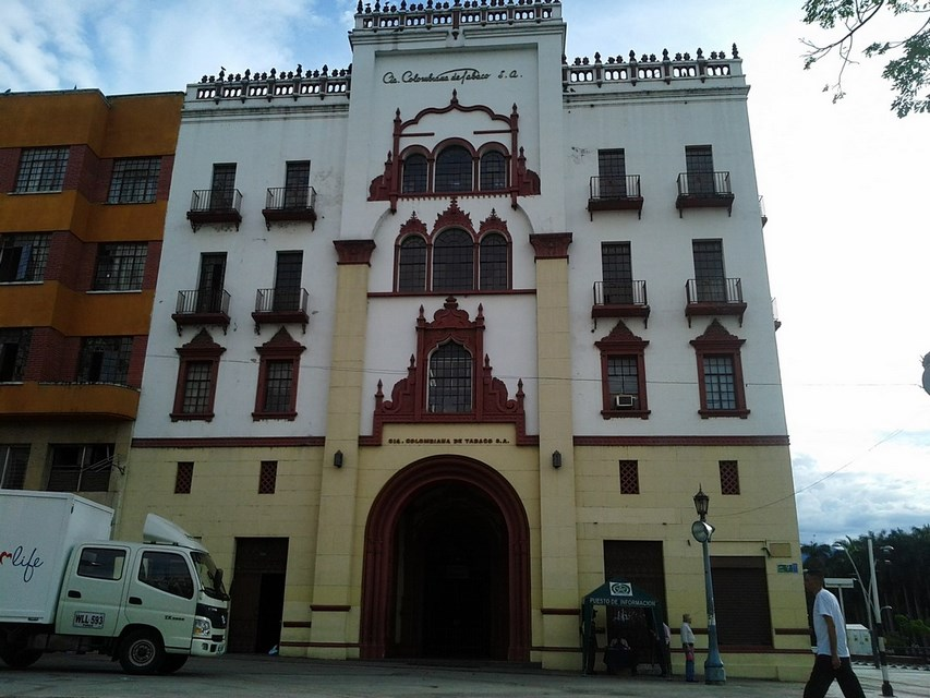 Places to visit in Cali for the Travelling Architect- Edificio Coltabaco -3