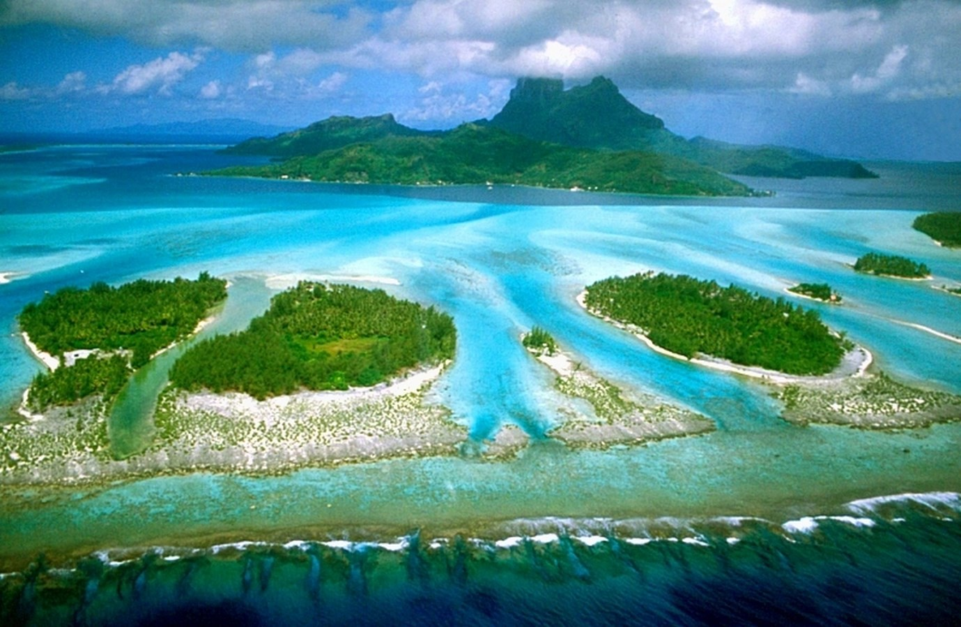 14 Places to visit in Bora Bora for the Travelling Architect - Sheet3