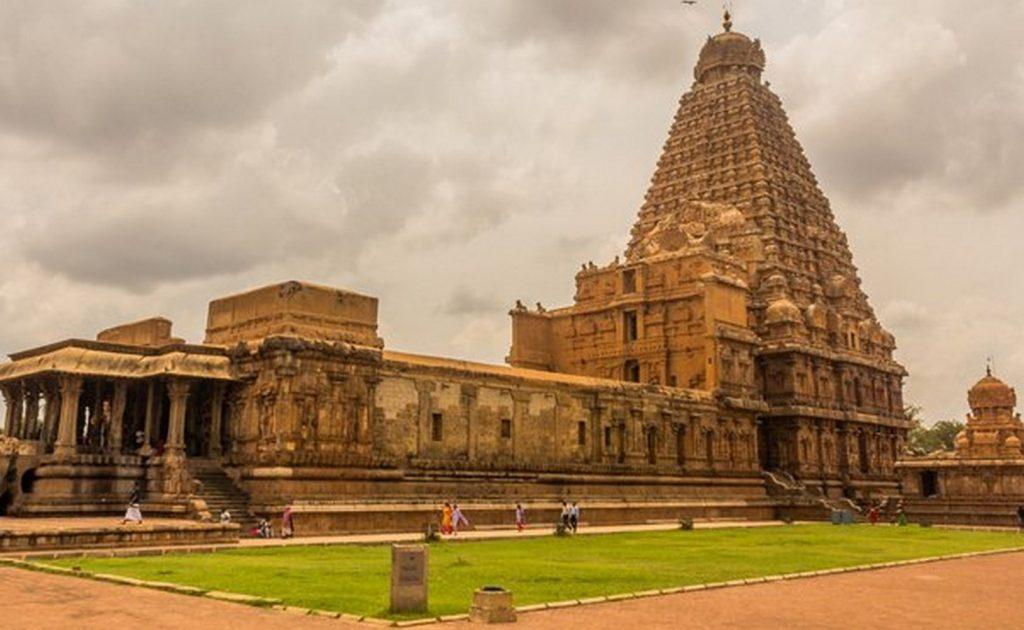 Famous Temples of South India-Brihadeshwara Temple, Thanjavur