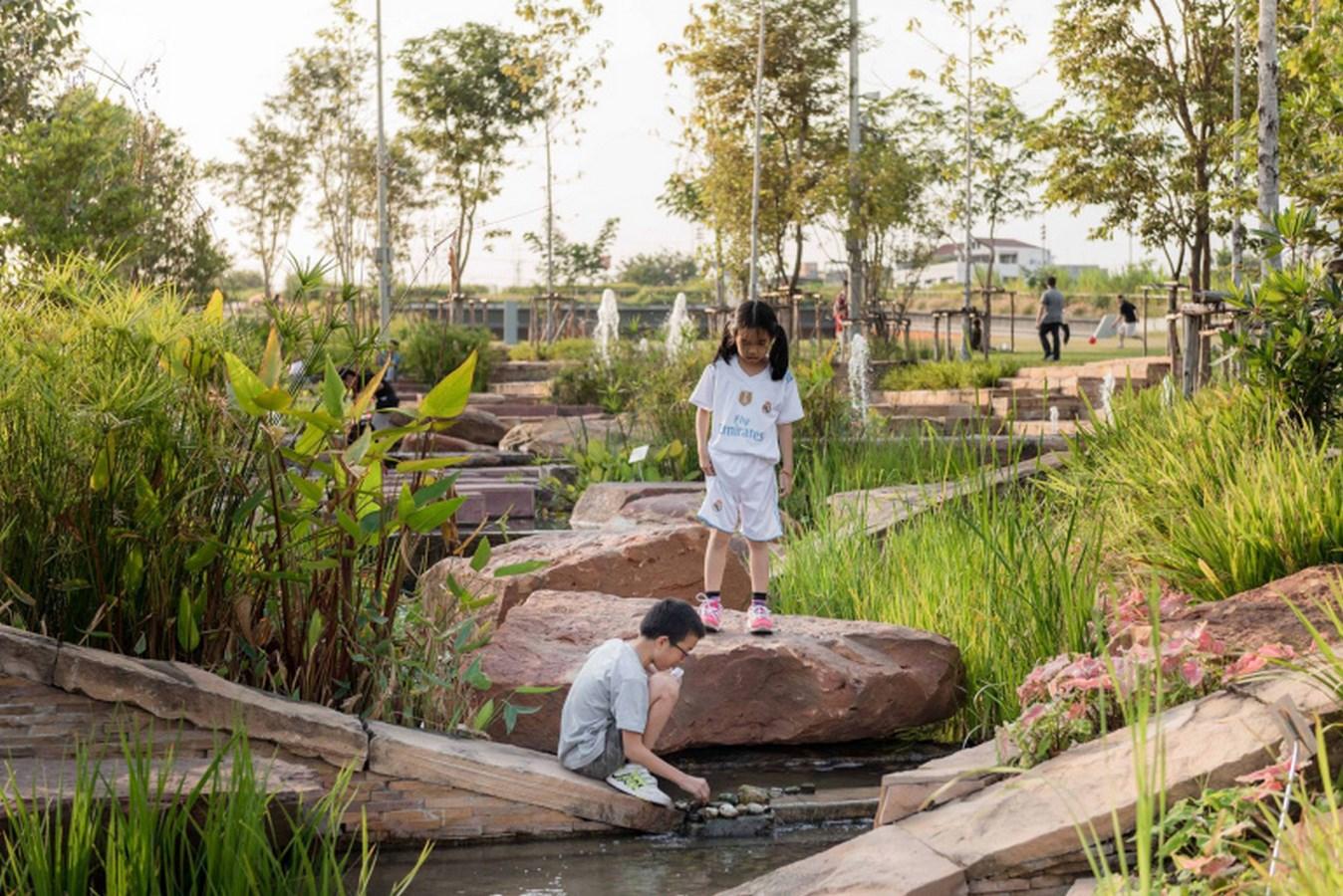 Kotchakorn Voraakhom- Fighting Climate Change- Kotchakorn Voraakhom-CU Centenary Park -2