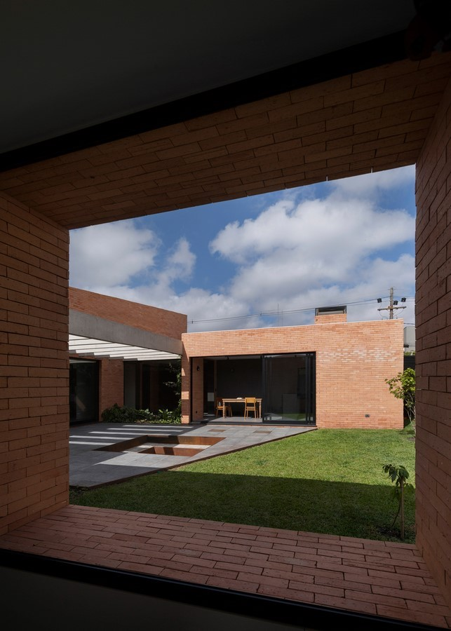 Courtyard Architecture -THE BRICKHOUSE WITH A COURT - Sheet3