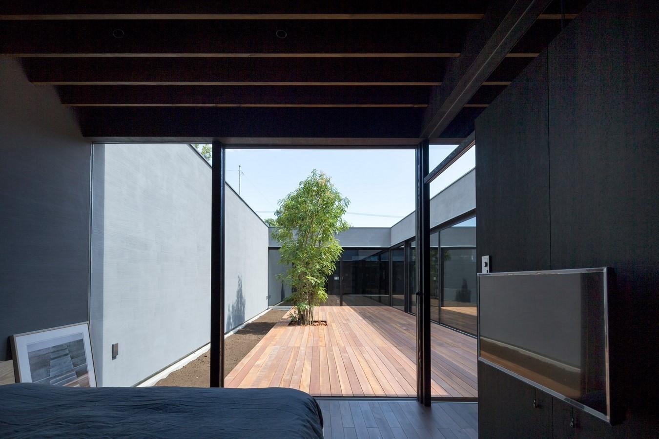 THE MONOLITHIC BLACK HOUSE - Sheet3