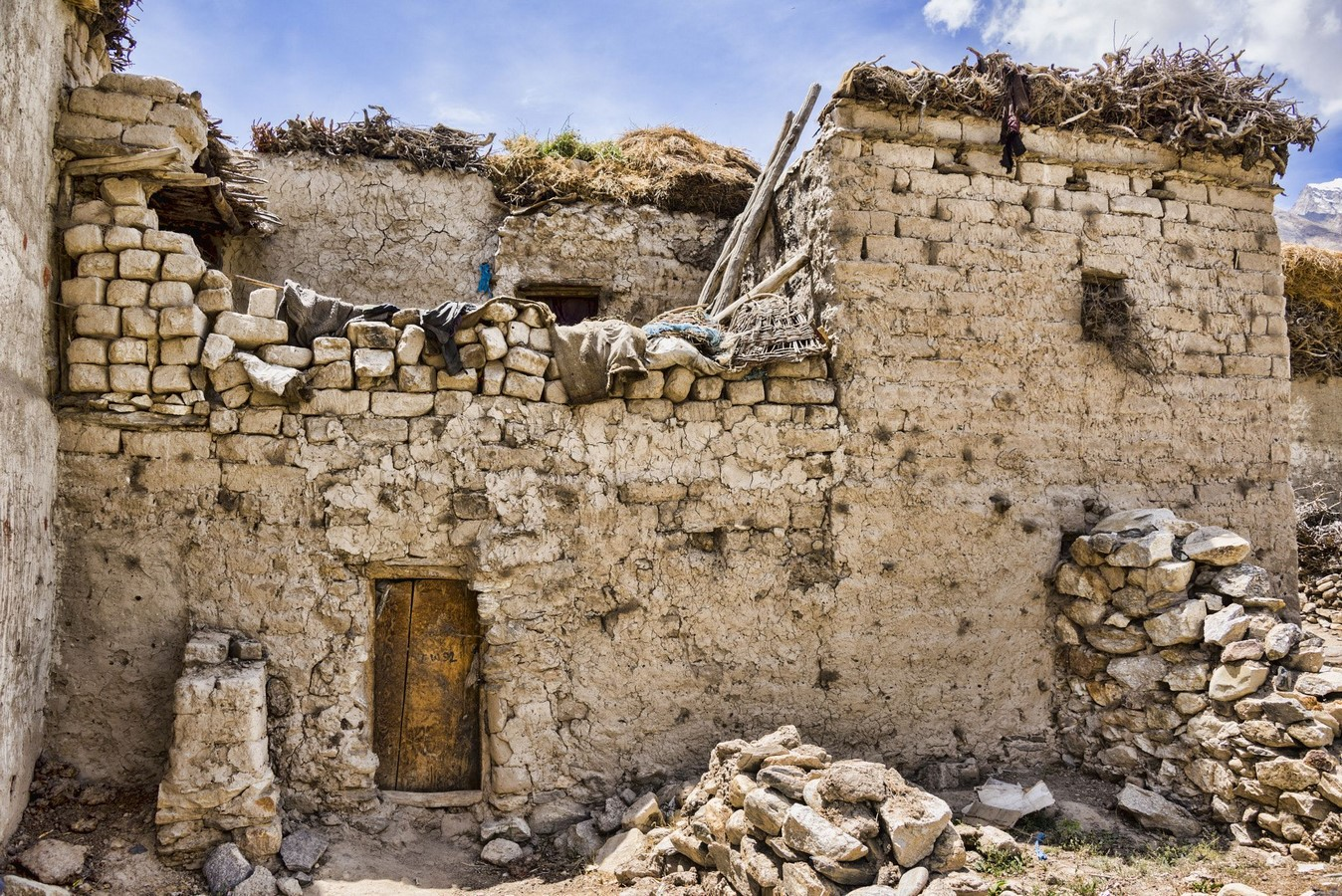 MUD AND TIMBER ARCHITECTURE OF LADAKH - Sheet2