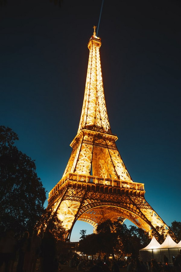 The Eiffel Tower- An Iconic 'Street Lamp' - Sheet1