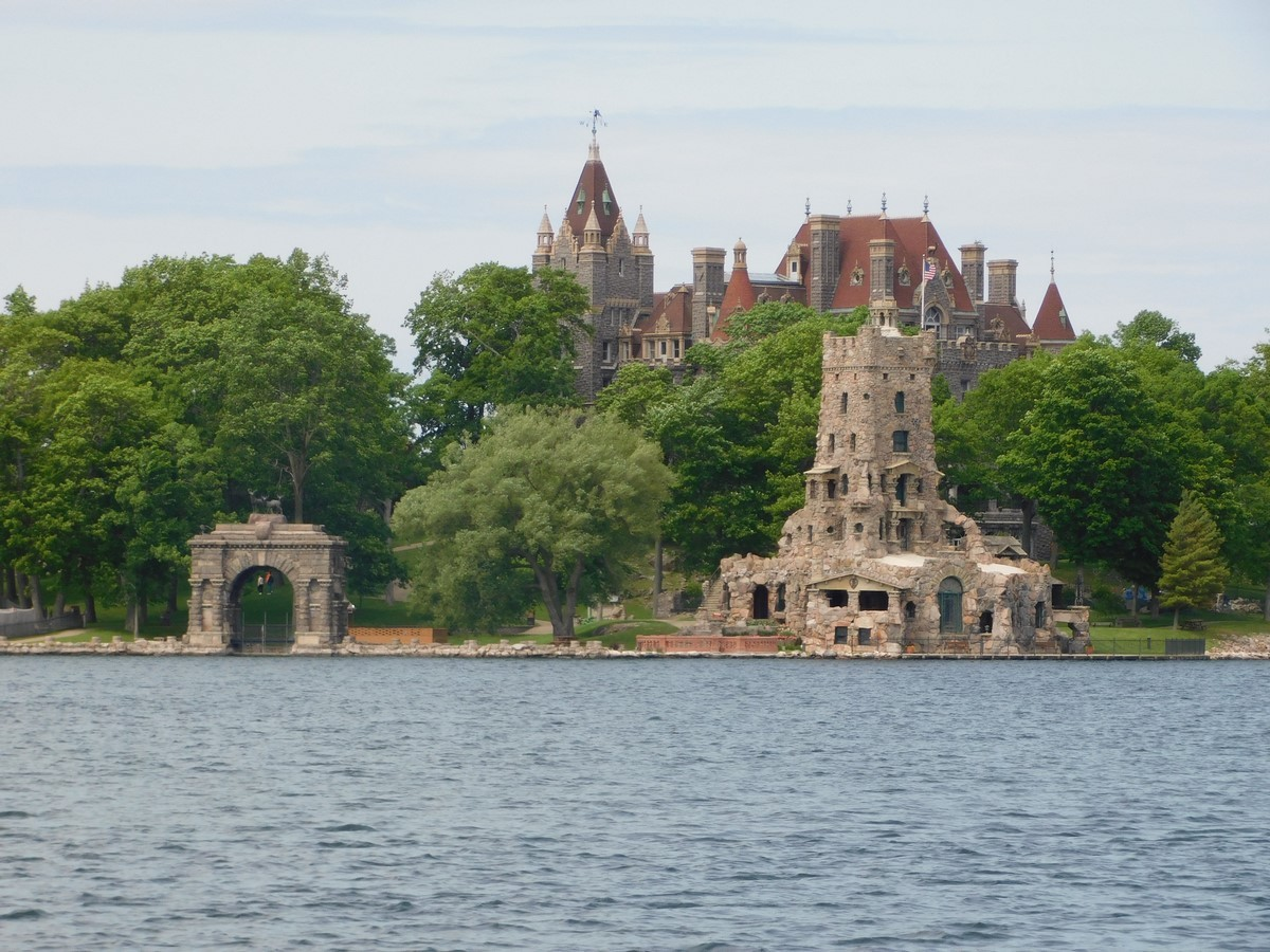 BOLDT CASTLE, HEART ISLAND - Sheet3