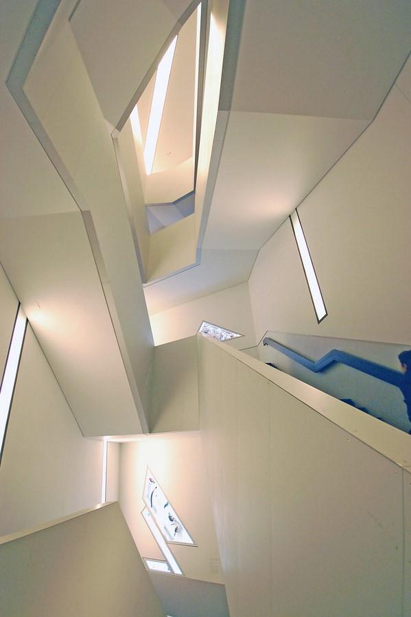 ROYAL ONTARIO MUSEUM, ONTARIO, CANADA - Sheet1