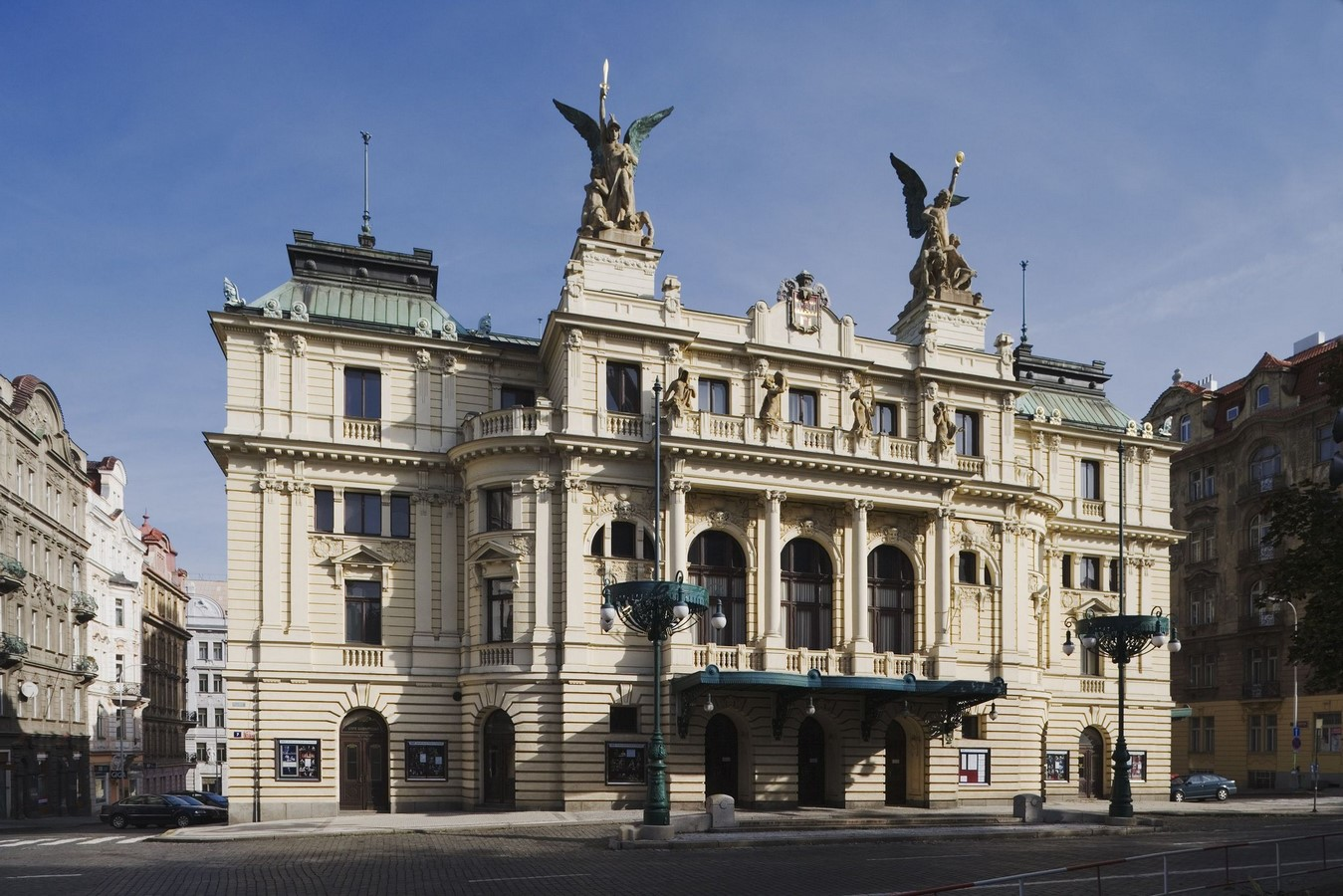 Architectural styles that can be seen in Prague - Sheet25