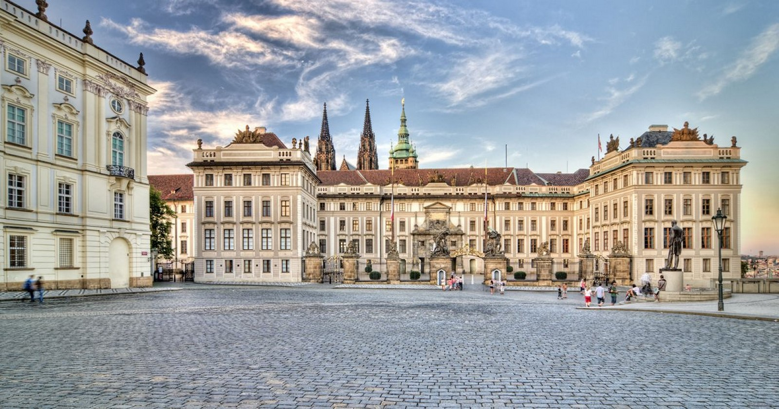 Architectural styles that can be seen in Prague - Sheet10