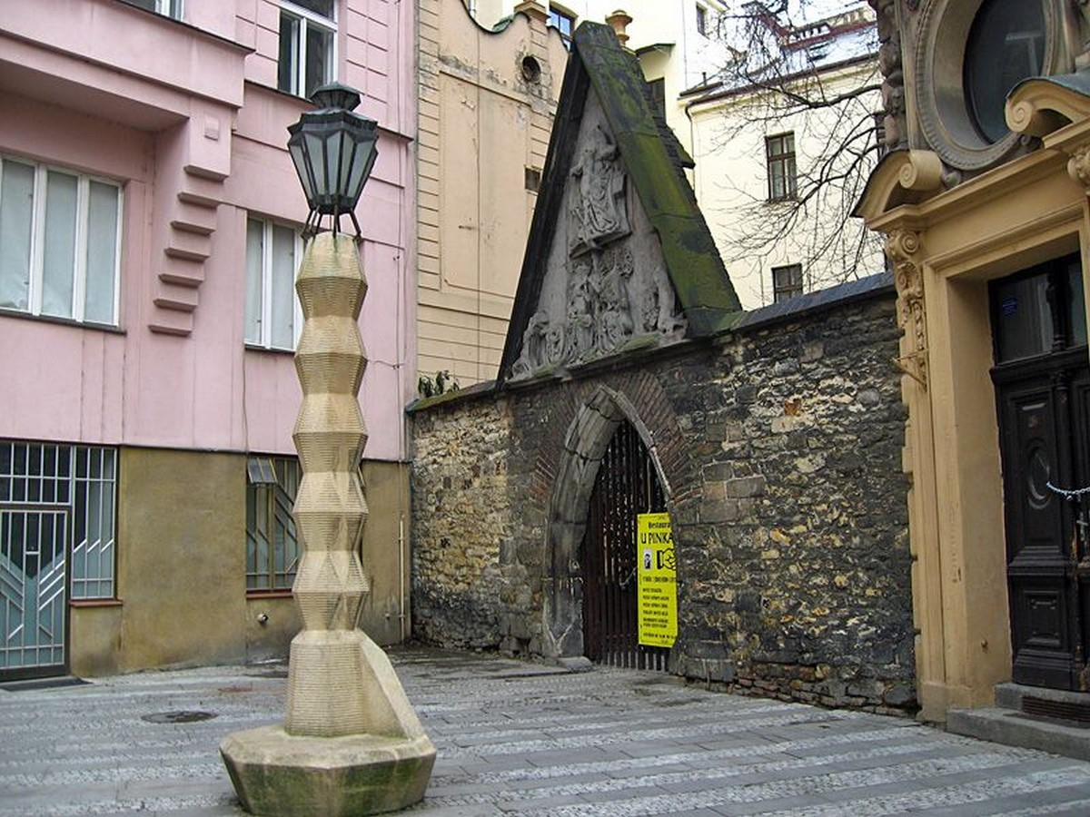 Architectural styles that can be seen in Prague - Sheet34