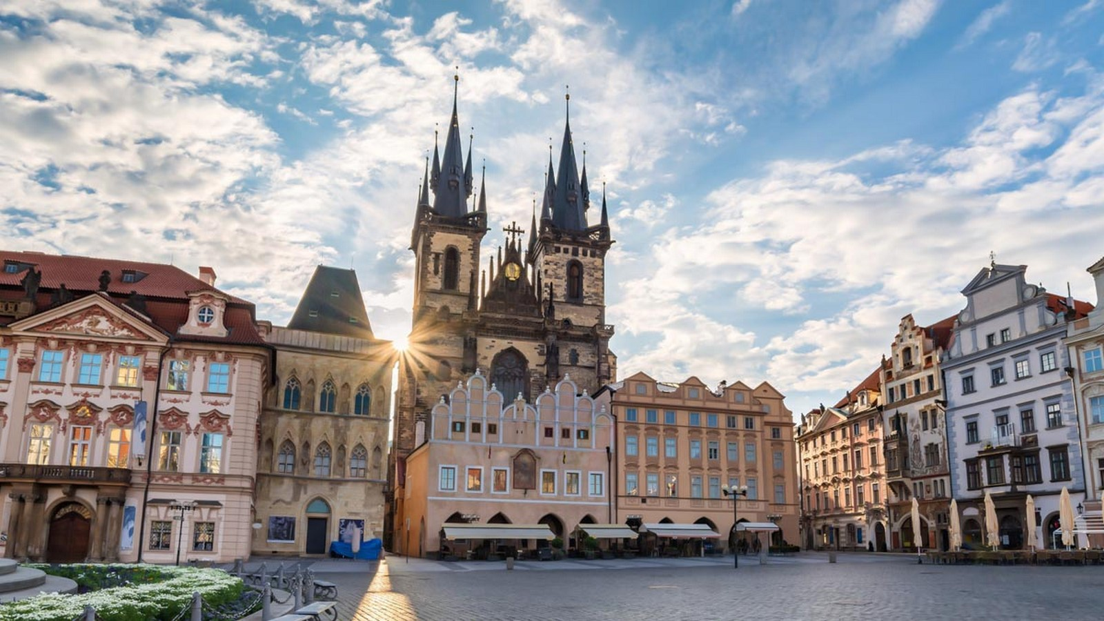 Architectural styles that can be seen in Prague - Sheet4
