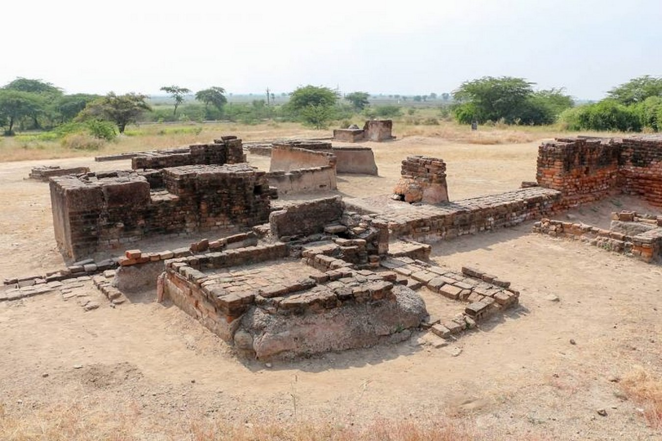 How can the visibility of Archaelogical sites be improved - Sheet8