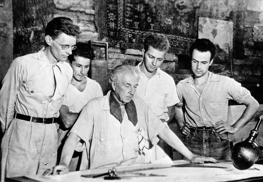Frank Lloyd Wright's Architecture School fell into the hands of internal rift - Sheet3