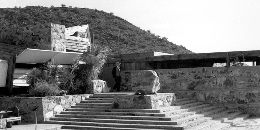 Frank Lloyd Wright's Architecture School fell into the hands of internal rift - Sheet4