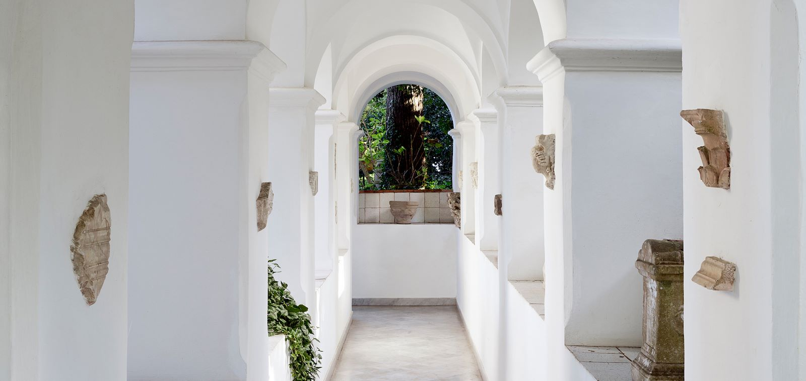 15 Places to visit in Capri Island for the Travelling Architect - Sheet4