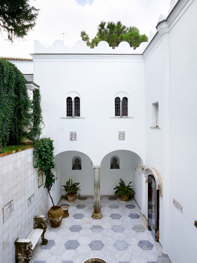 15 Places to visit in Capri Island for the Travelling Architect - Sheet5