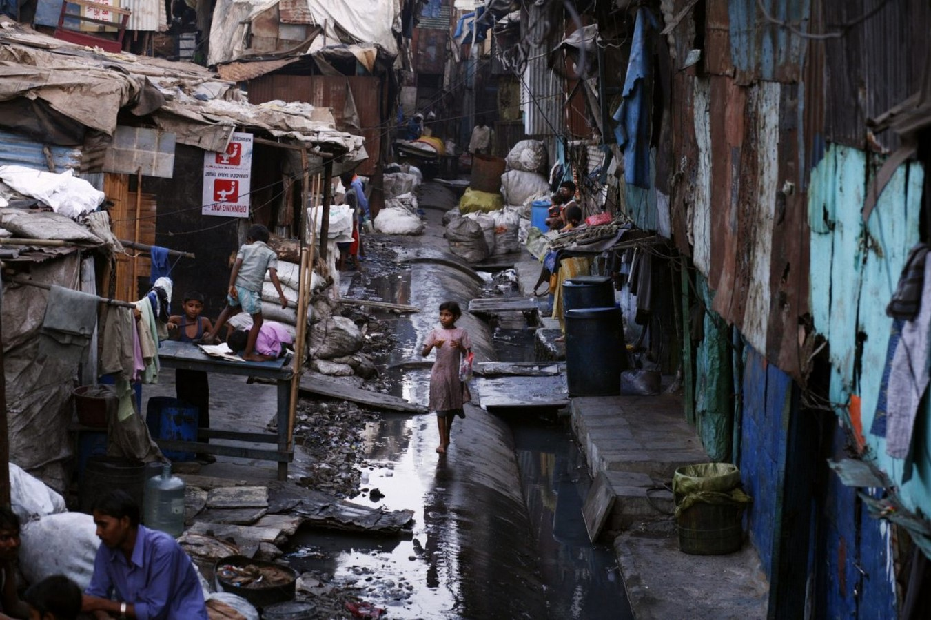 Contrast in the cityscape of Mumbai - Sheet7