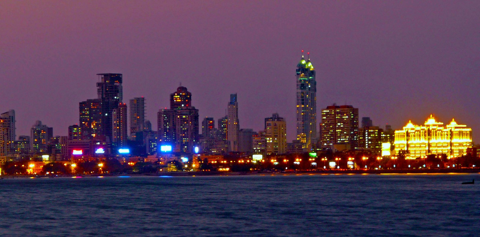 Contrast in the cityscape of Mumbai - Sheet8