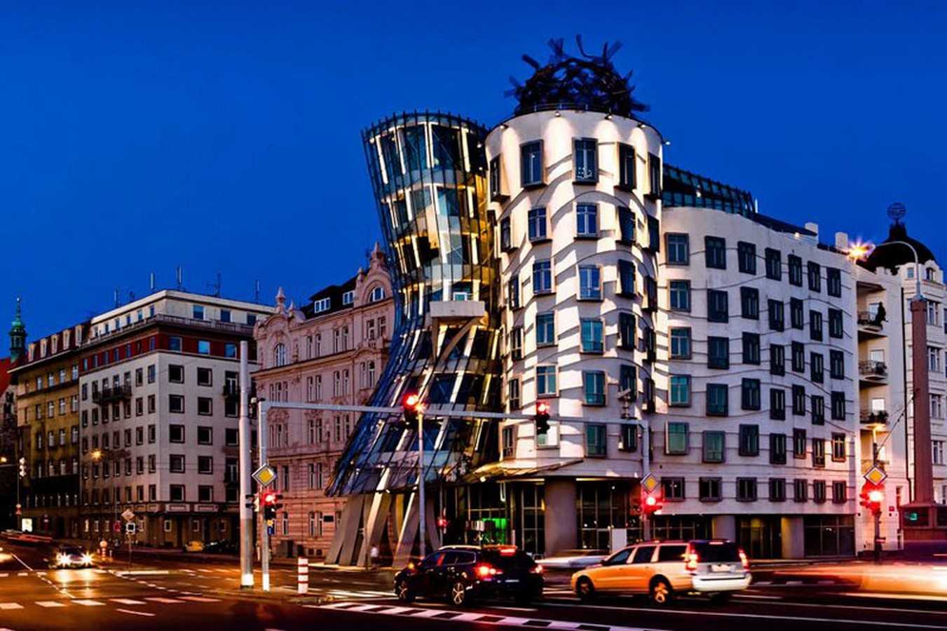 The Dancing House by Frank Gehry and Vlado Milunic - Sheet1