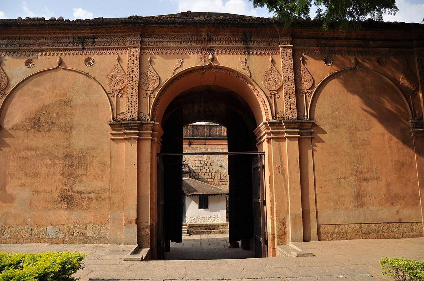 Places to visit in Bangalore for the Travelling Architect -Bangalore fort- Sheet1