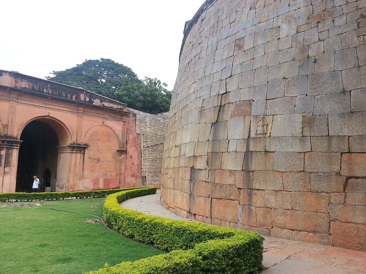 Places to visit in Bangalore for the Travelling Architect -Bangalore fort - Sheet2