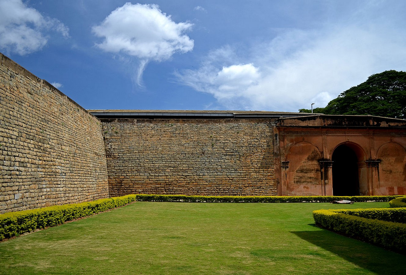 Places to visit in Bangalore for the Travelling Architect -Bangalore fort - Sheet3